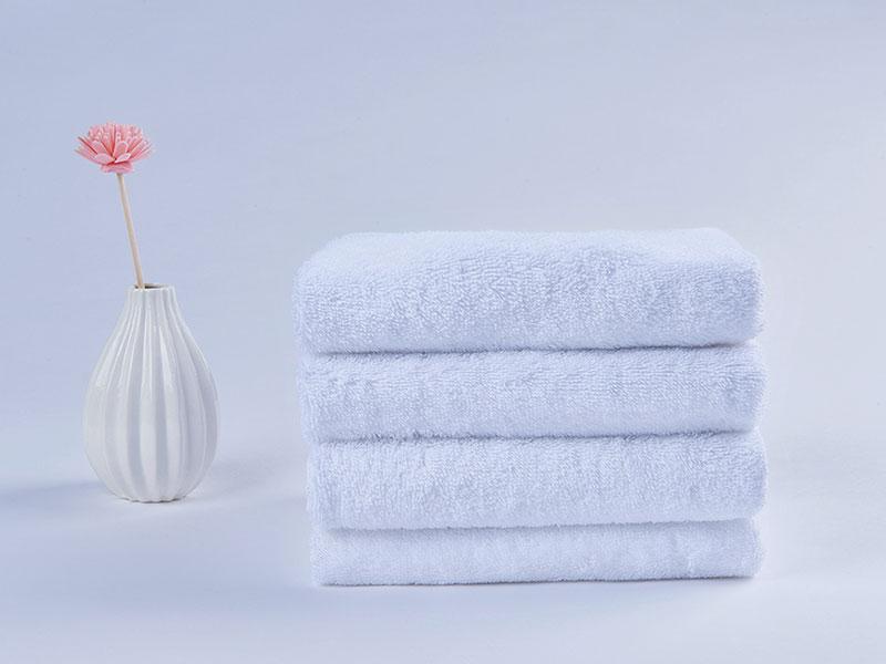 客房卫浴-三头香槟色皂液器